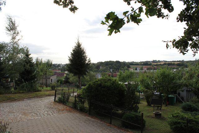 Blick in die Gartenanlage